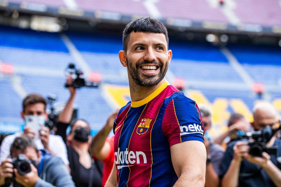 Агуэро опроверг информацию о желании уйти из «Барселоны»