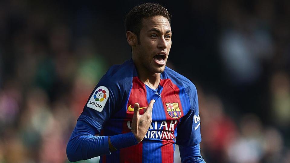 «Барселона» требует от Неймара больше 8 миллионов евро