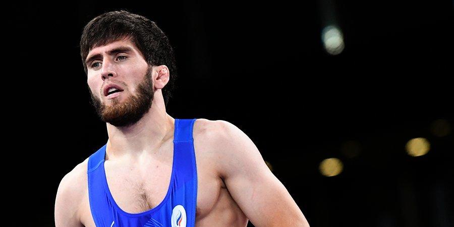 Угуев вышел в финал олимпийского турнира по вольной борьбе в весе до 57 кг