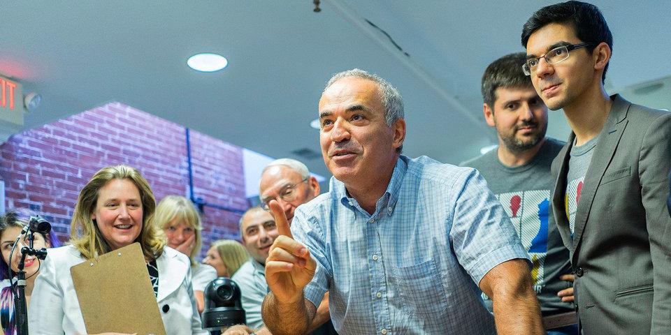 Каспаров в третий раз подряд сыграл вничью на турнире в США, Карякин потерпел поражение