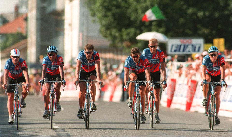 Британский велогонщик снялся с «Джиро д'Италия» из-за коронавируса