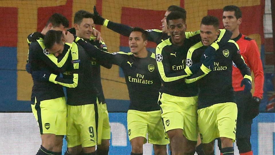 «Арсенал» вышел из группы с первого места, «Лудогорец» оставил «ПСЖ» на втором