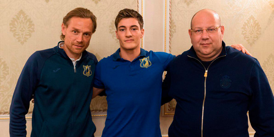 Официально: Полузащитник «Брайтона» Норман перешел в «Ростов»