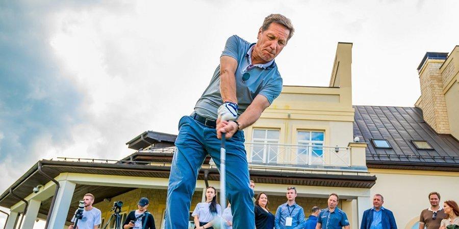 Жуков попал с первого удара, а Самедов увлекся гольфом. «Сильные фигуры» снова в деле