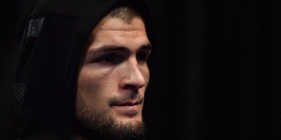 Нурмагомедов победил Джонсона болевым приемом на турнире UFC 205
