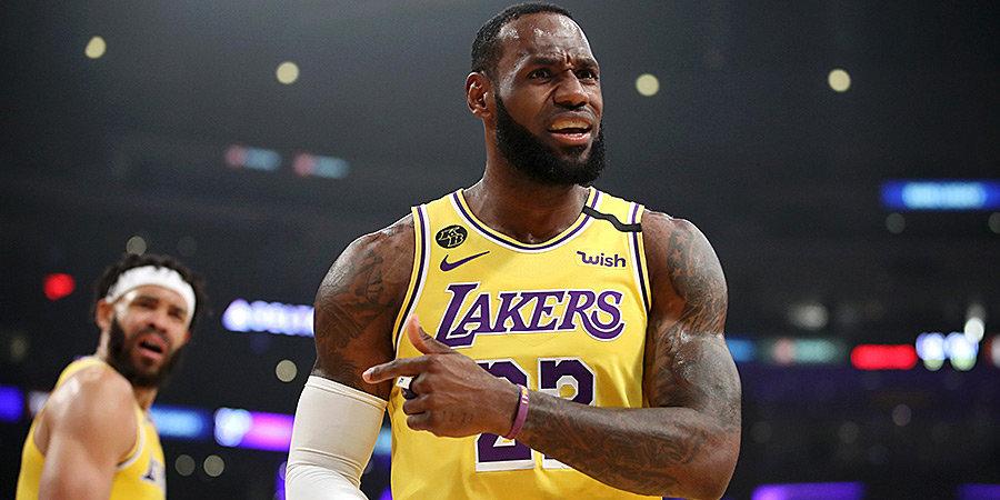 Джеймс поднялся на 2-е место по количеству реализованных трехочковых в плей-офф НБА