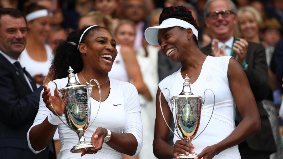 Сестры Уильямс сыграют друг с другом в следующей стадии US Open