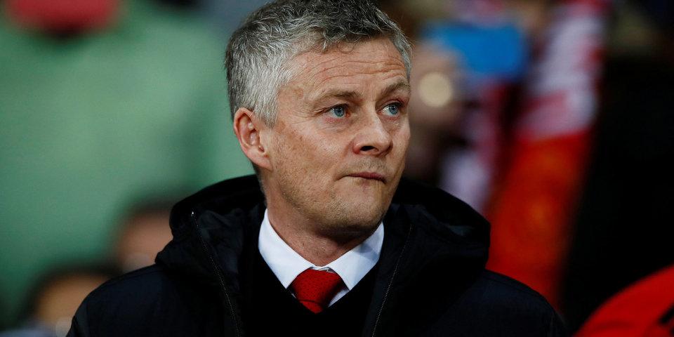 «Манчестер Юнайтед» уступил «Вулверхэмптону», заканчивая матч в меньшинстве, «Фулхэм» вылетел из АПЛ