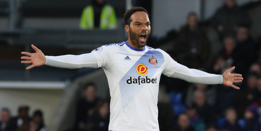 Экс-игрок сборной Англии возобновил карьеру в 38 лет