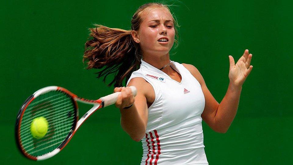 Возняцки вышла в финал турнира в Истбурне