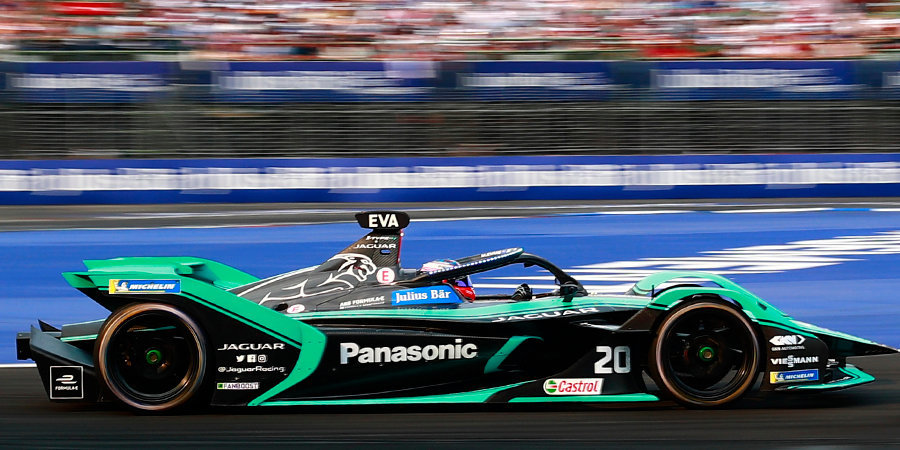 Восемь сходов, героический прорыв и новый победитель. Как прошел четвертый этап «Формулы-Е»