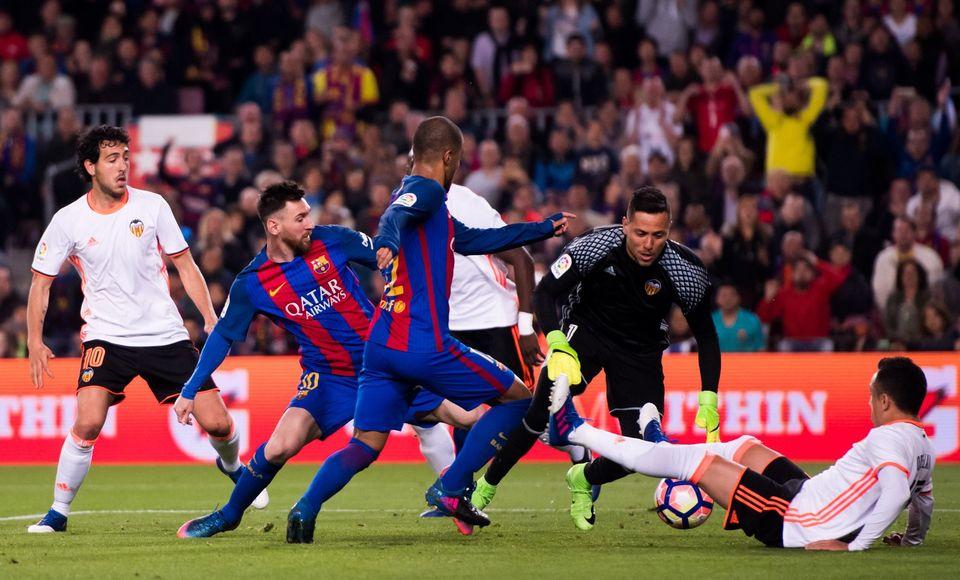 «Барселона» дожала «Валенсию»