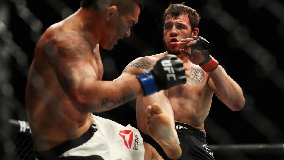 Крылов вслед за Багаутиновым уволен из UFC