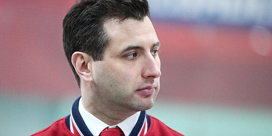 Роман Ротенберг: «Вижу, что хоккеистки сборной России хорошо настроены на ЧМ, у всех горят глаза»