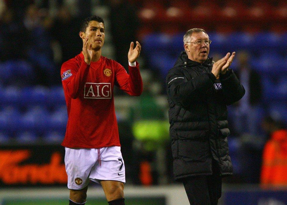 «Сэр Алекс, это для вас». Роналду — о переходе в «Манчестер Юнайтед»