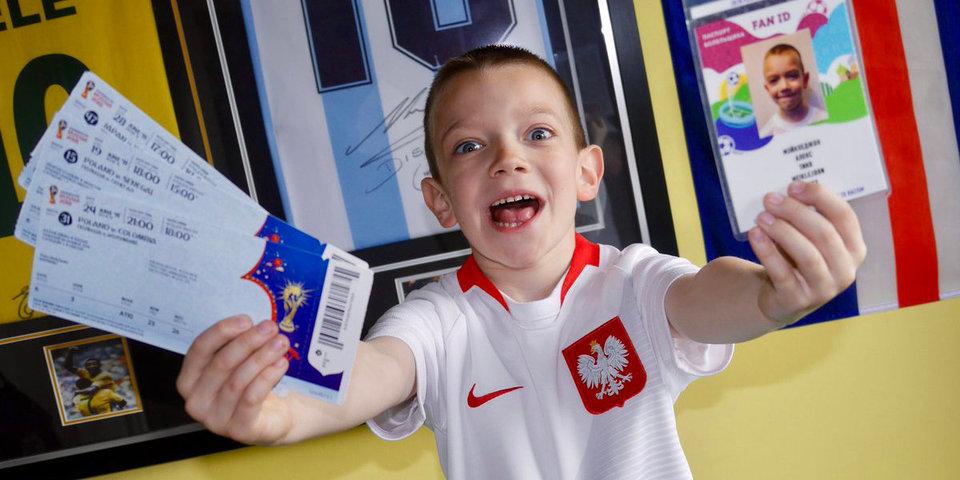 Шестилетний болельщик сборной Польши получил билет на финал ЧМ. За него рады даже колумбийцы