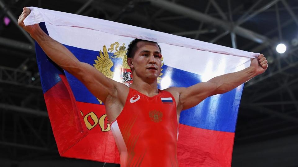 Россиянин Власов стал трехкратным чемпионом мира по греко-римской борьбе