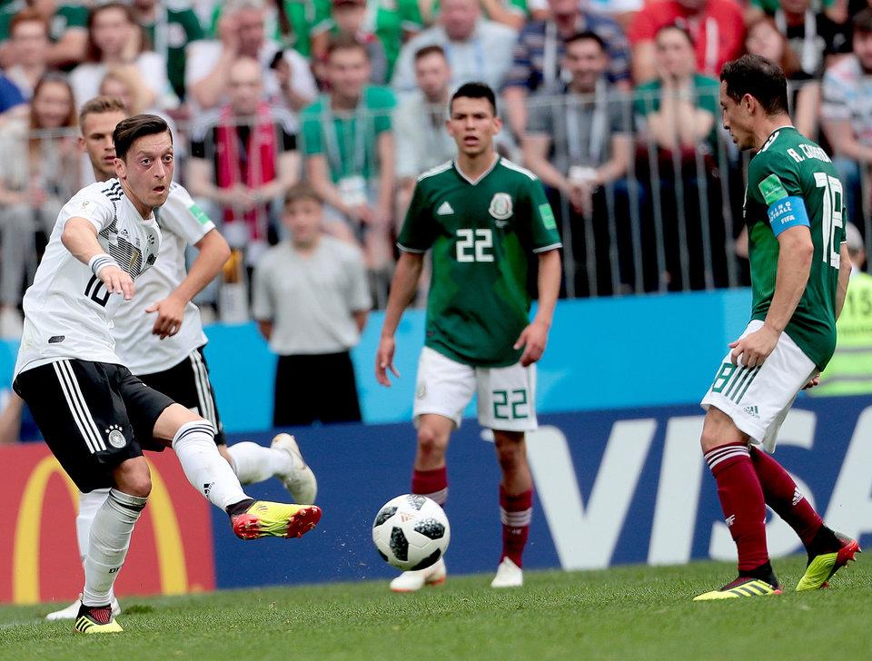 Немецкий политик призвал исключить Озила и Гюндогана из сборной чемпионов мира