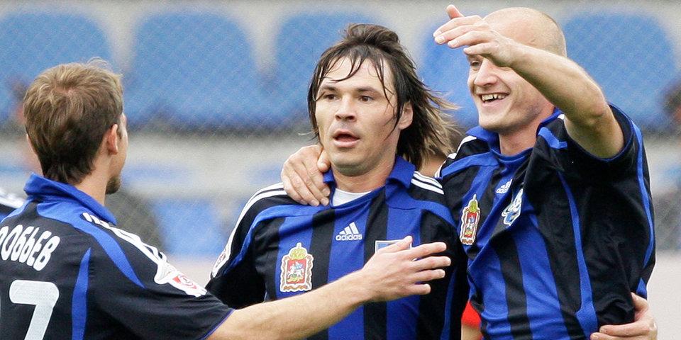 Поиграть за Лоськова, Аршавина и Саенко? Первому симулятору FIFA с чемпионатом России – 10 лет