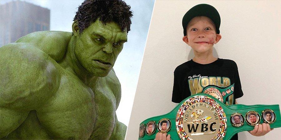 Новому чемпиону мира по боксу 6 лет. Но он круче Тайсона, и его уважает Халк
