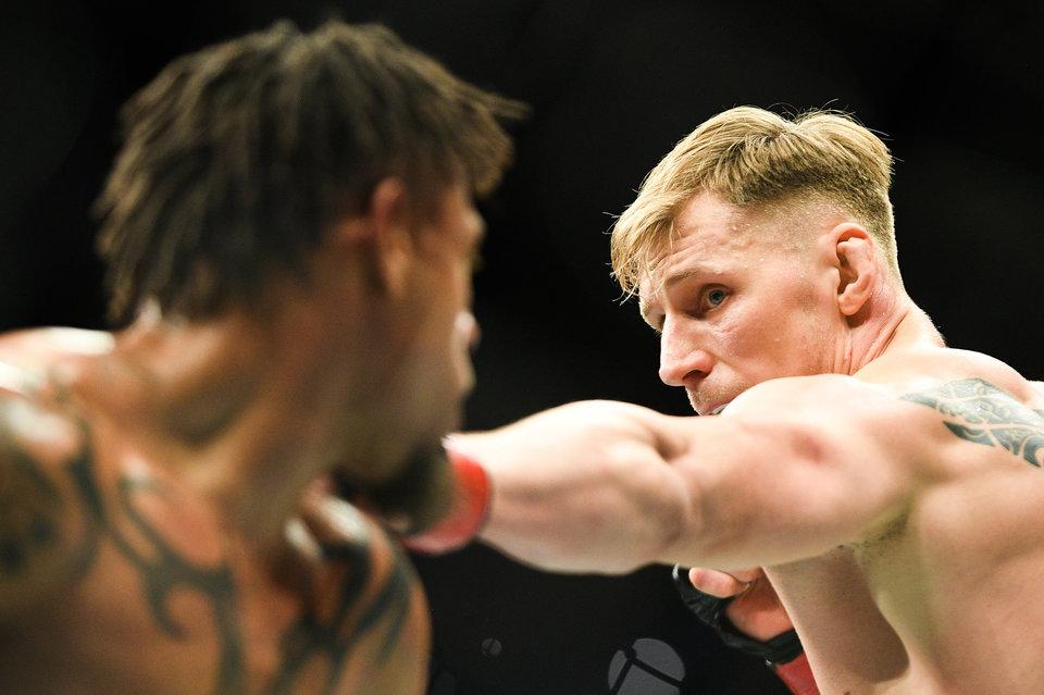 СМИ узнали гонорар Волкова за победу на турнире UFC в Москве