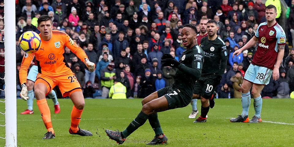Первый гол Санчеса за «МЮ», Обамеянга – за «Арсенал» и эпичный промах Стерлинга