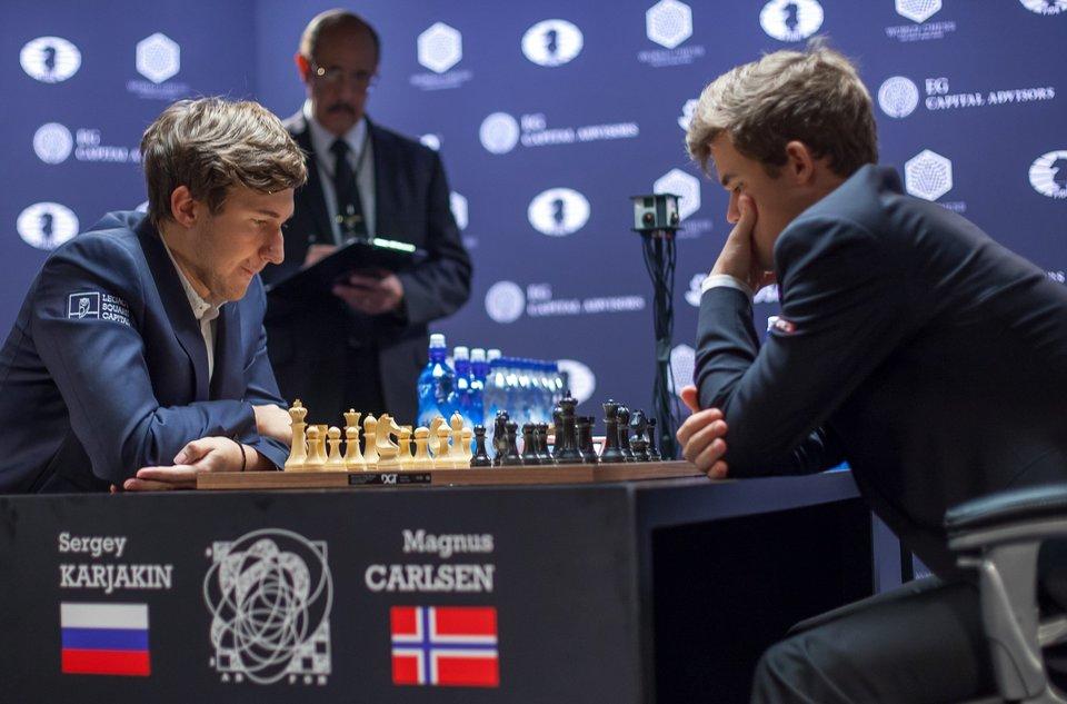 Чемпион мира Карлсен обвинил Карякина в «договорняке»