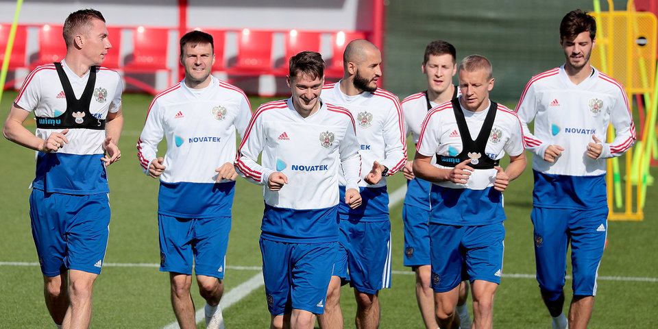 Представители допинг-контроля приехали в расположение сборной России по футболу