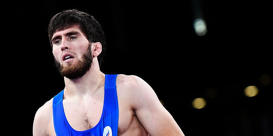 Россиянин Угуев завоевал золотую медаль Олимпийских игр в весе до 57 кг