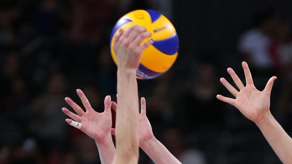 Российские волейболисты вышли в плей-офф Универсиады
