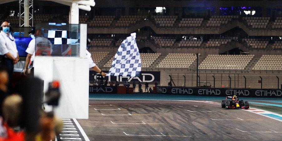 Разбудите меня в Мельбурне. «Ф-1» закрыла сезон самой скучной гонкой