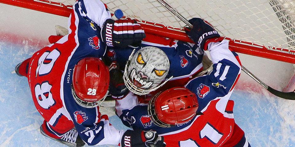 Неподъемный кубок и самый откровенный хоккей России в фотогалерее «Матч ТВ»