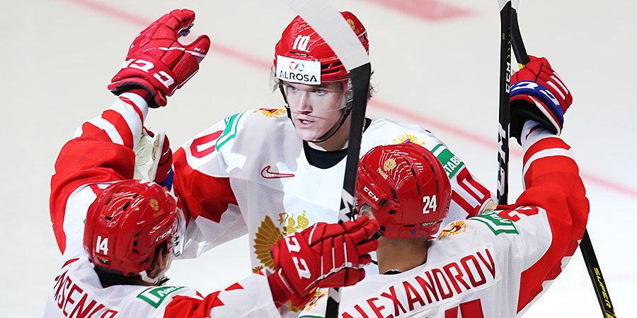Россия сыграет со Швецией в полуфинале МЧМ, «Ливерпуль» не проигрывает год, успехи россиян в НХЛ и другие ночные новости
