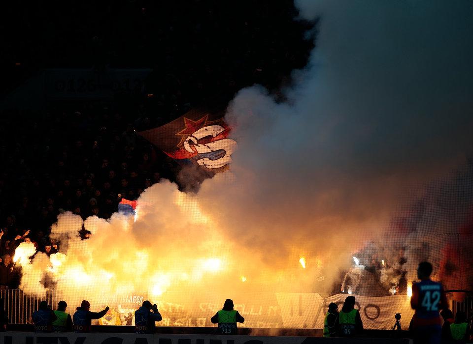Полиция задержала фанатов ЦСКА, которые пытались подраться с болельщиками «Ромы»