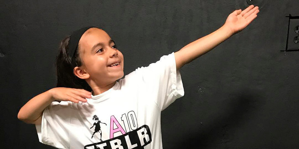 «Когда вырасту, хочу играть как Неймар». История гениальной 8-летней футболистки и самой большой фанатки бразильца
