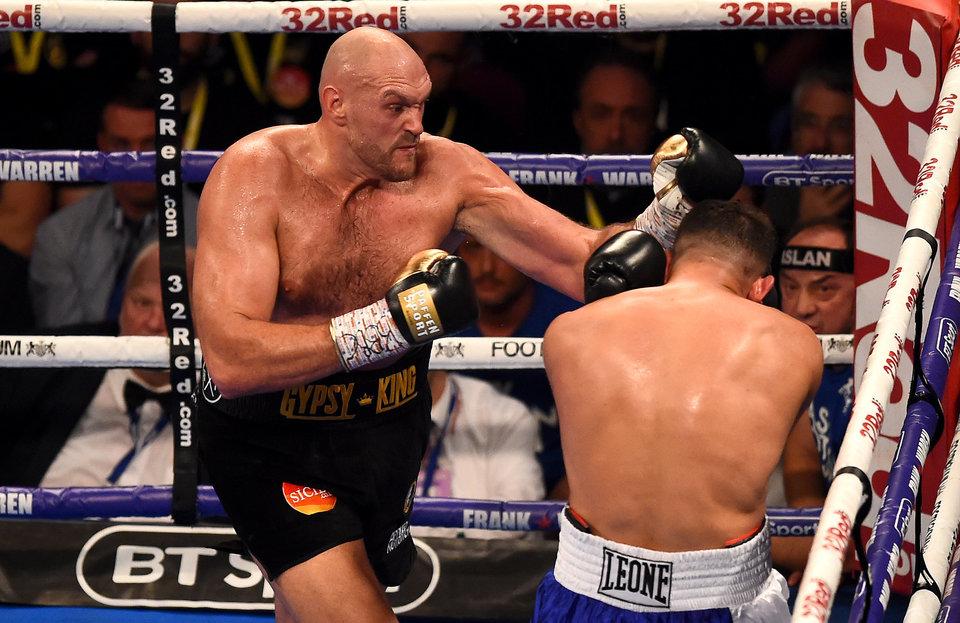 Экс-чемпион мира Тайсон Фьюри победно вернулся на ринг, Хукер взял пояс WBO