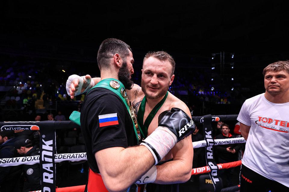 «Как этого зовут, маленького?» Немецкий боксер после нокдауна от Бетербиева вспомнил об Аршавине