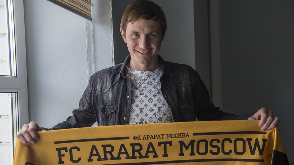 Роман Павлюченко: «Тяжело играть на бетонных полях»