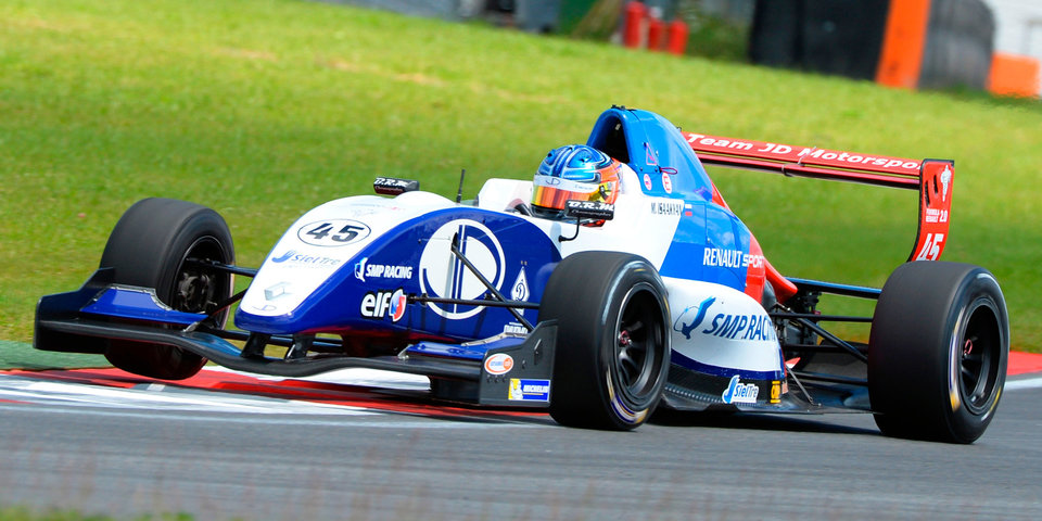 Россиянин Исаакян – вице-чемпион «Формулы V8 3.5»