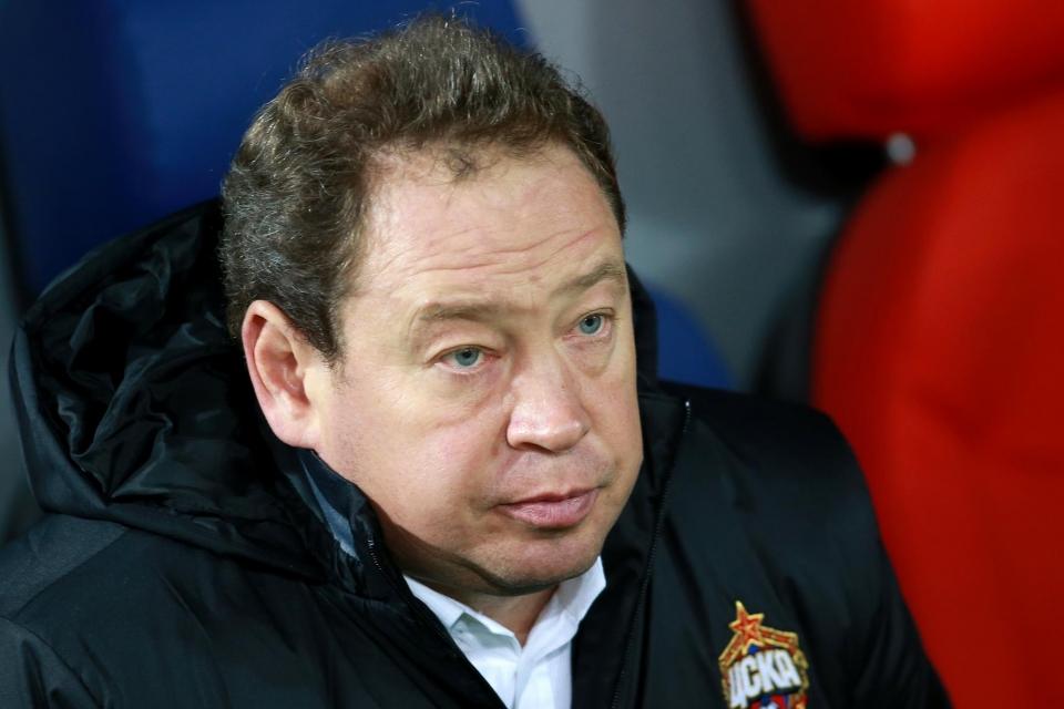 Слуцкий не рискнул поставить Чалова в основу на матч с «Амкаром»