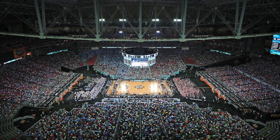 77 тысяч зрителей на студенческом баскетболе. Как это вообще возможно?