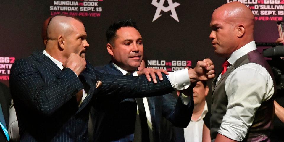 48-летнего бойца нокаутировал 43-летний. Де Ла Хойя устроил бой ветеранам UFC