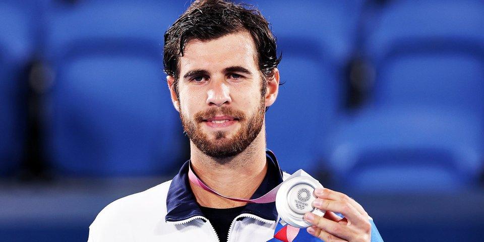 Наш теннисист — с медалью ОИ впервые с 2000-го. Как российские спортсмены переписывают историю