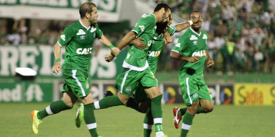«Шапекоэнсе» квалифицировался в Кубок Либертадорес, «Аваи» с Майконом вылетел в серию В