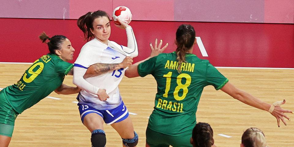 Россиянки начали защиту титула с ничьей против Бразилии. А могли и проиграть