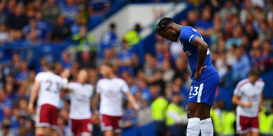 Два удаления, три пропущенных гола и домашнее поражение. Кошмарный старт сезона для «Челси»