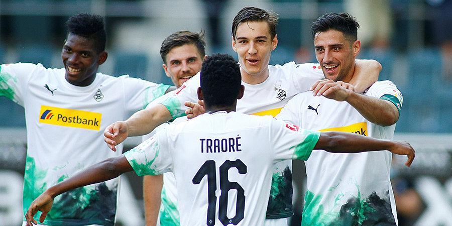 Менхенгладбахская «Боруссия» разгромила «Вольфсбург» и поднялась в зону Лиги чемпионов