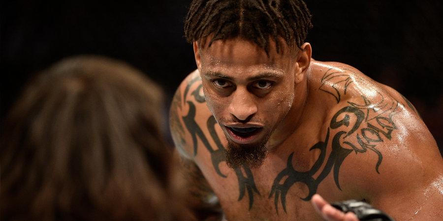 Его выгнали из футбола, теперь он творит дичь в UFC. Кто едет в Москву бить Александра Волкова