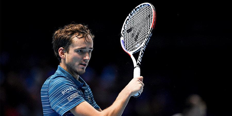 Медведев проиграл два матча на Итоговом турнире, но еще может выйти в полуфинал. Объясняем расклады