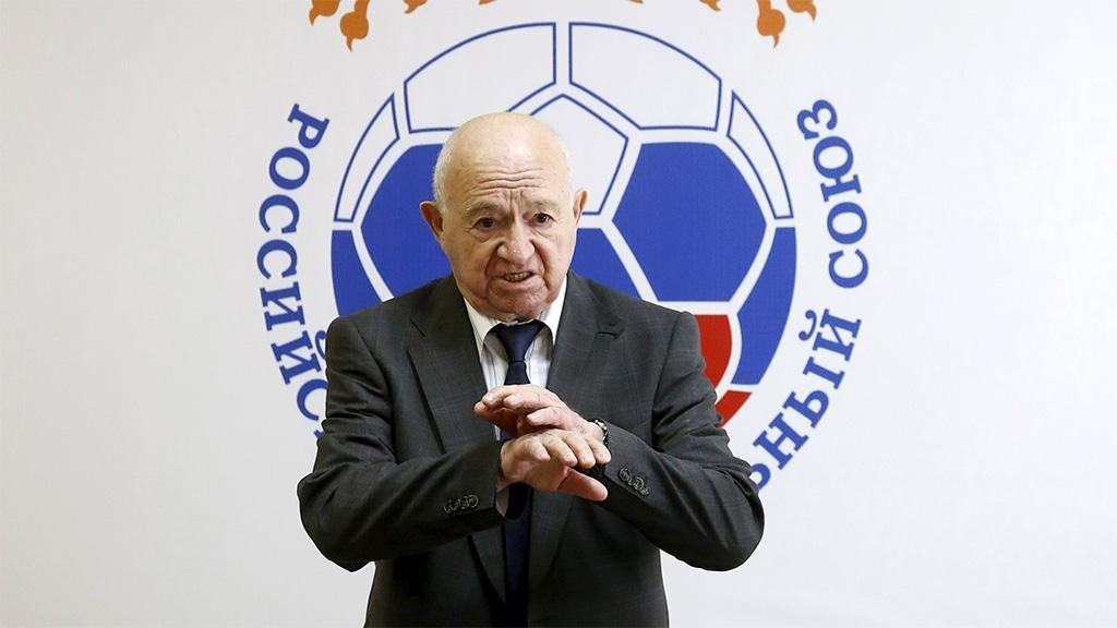 «Ты настоящая легенда». Главы ФИФА и УЕФА поздравили Симоняна с 95-летием